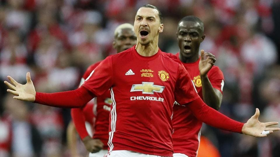 Zlatan Ibrahimovic has signed a fresh one-year contract with Premier League giants Manchester United.