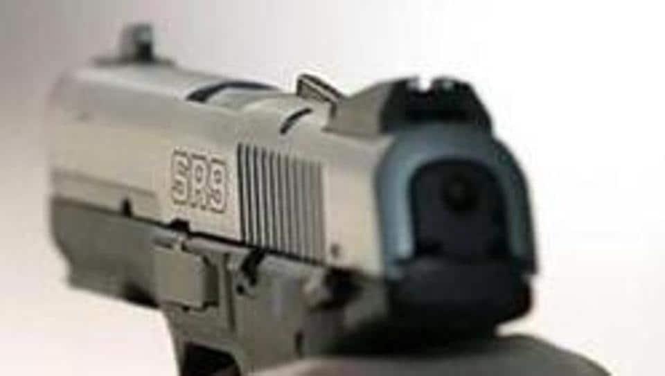 delhi crime,dhaba,man shot