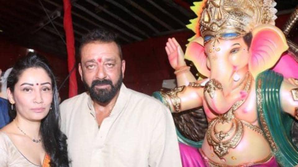 Ganesh Chaturthi 2017 Sanjay Dutt and wife