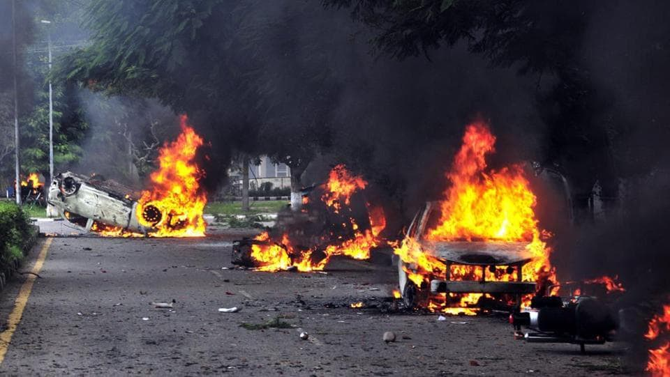 Dera followers set vehicles on fire in Panchkula sector 4 after the Dera chief Gurmeet Ram Rahim's verdict resulted in widespread violence across Punjab, Haryana, U.P and Delhi on Friday.