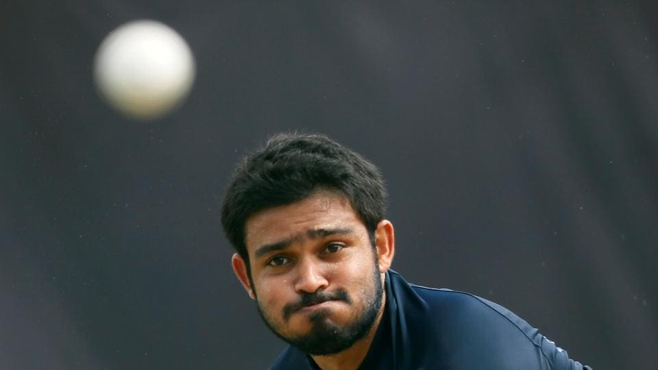 Milinda Siriwardana bowls and he will also be a vital member of the spin bowling department for Sri Lanka. (REUTERS)