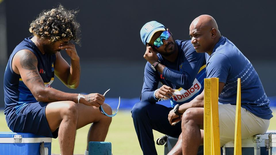 Upul Tharanga with Lasith Malinga and Sanath Jayasuriya. Tharanga has been banned for two ODIs for a slow over-rate. (AFP)