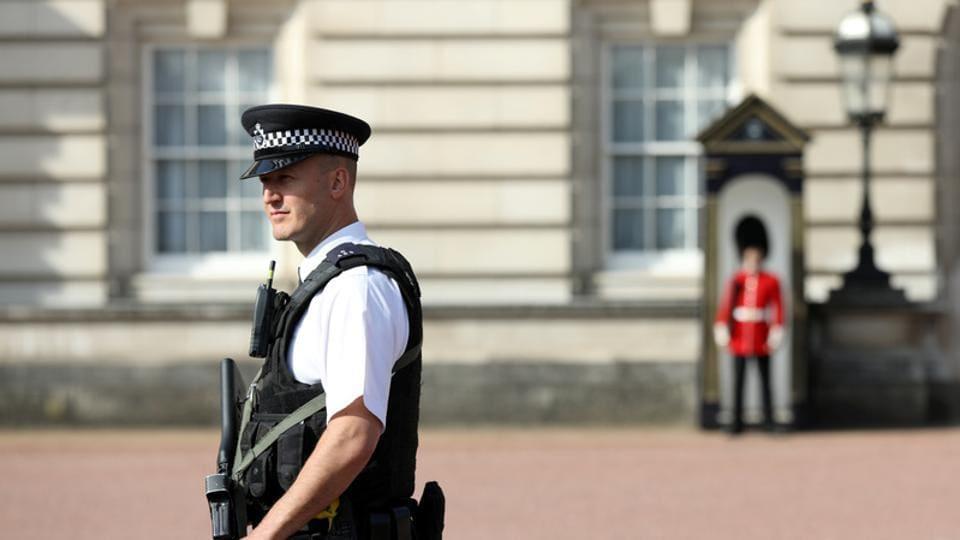 Buckingham Palace attack,UK police,West London