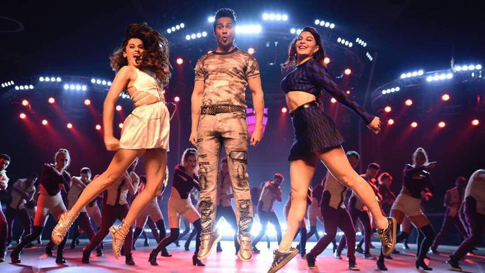 Varun Dhawan, Jacqueline Fernandez and Taapsee Pannu in a still from Chalti Hai Kya - a song from Judwaa 2.