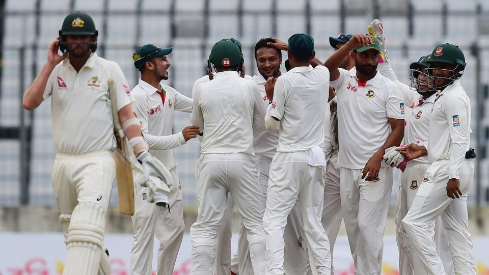 Australia suffer top order collapse after bowling out Bangladesh for 260