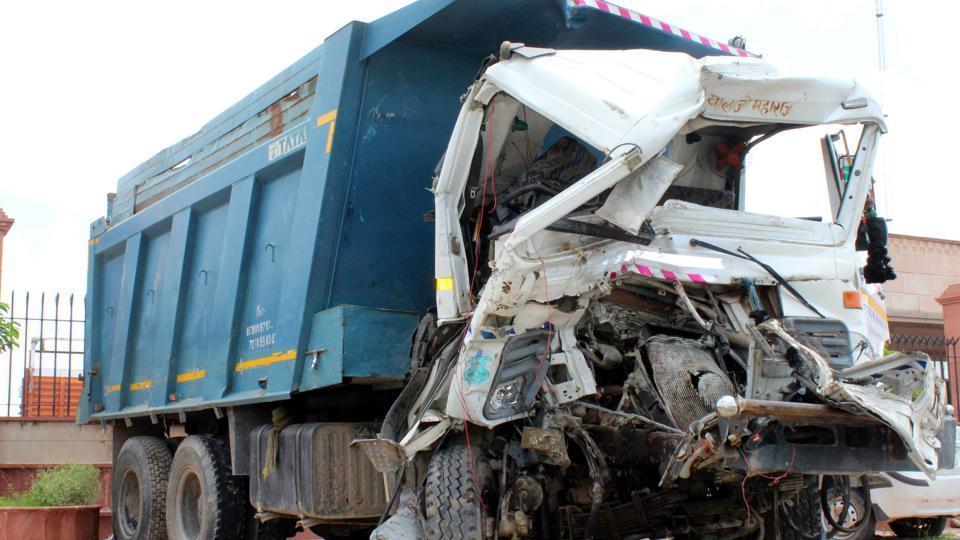 Gujarat accident,Truck accident,Barwala