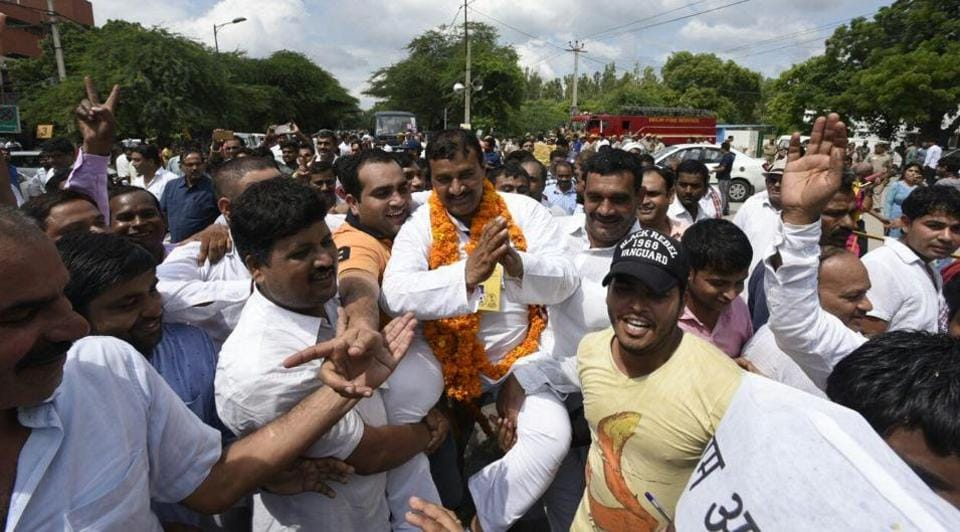 Bawana bypoll,Congress,BJP