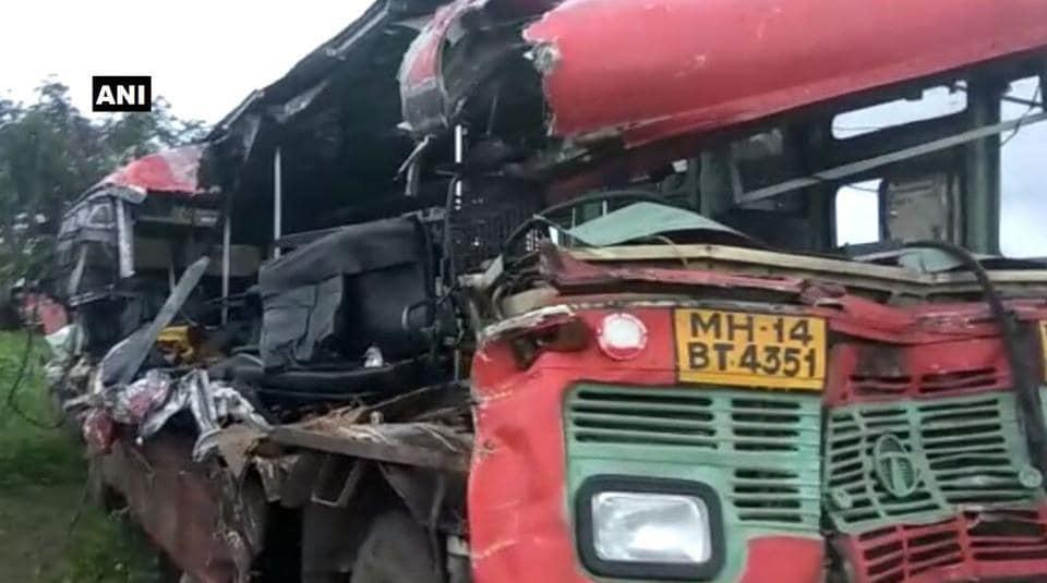 nashik highway,road accident,state transport bus