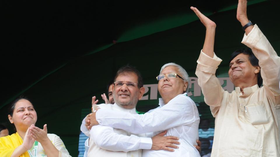 RJD chief Lalu Prasad (Right) with Sharad Yadav at the BJP Bhagao, Desh Bachao rally, Gandhi Maidan, Patna, August 27