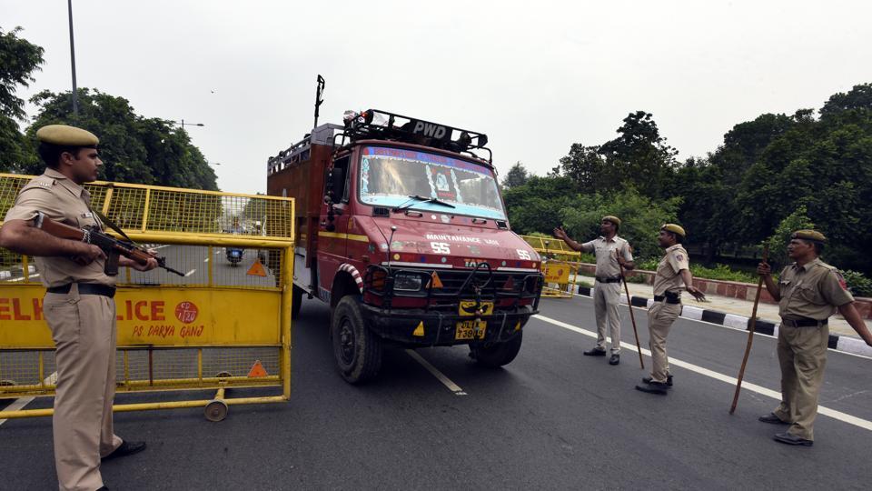 Delhi news,Delhi police,Traffic restrictions in Delhi