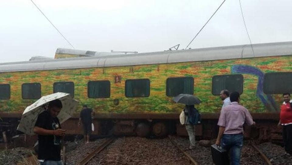 Mumbai news,train deraled,train accident