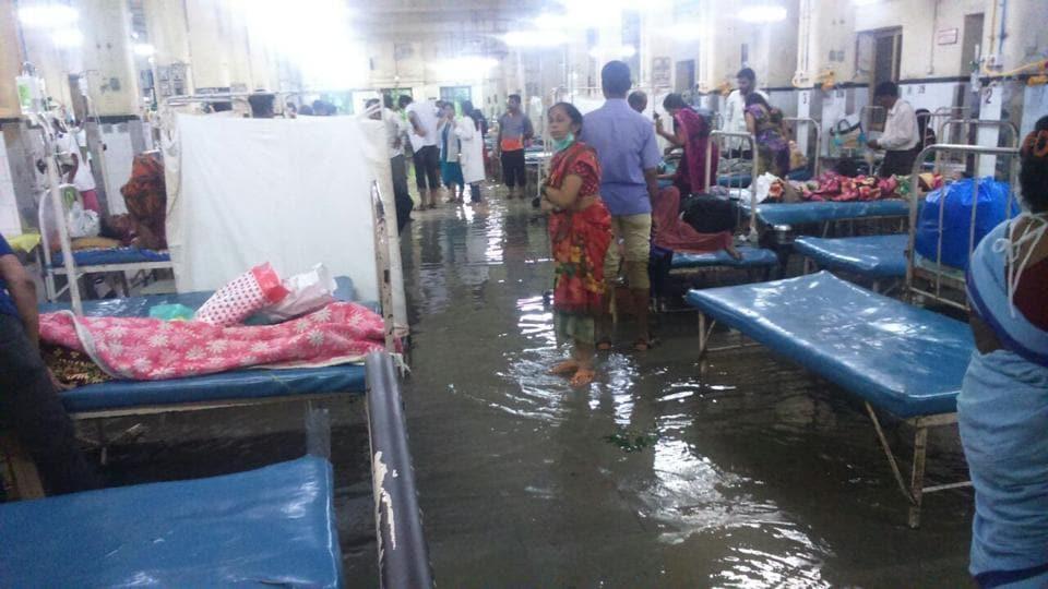 Rain Floods Mumbai S Largest Municipal Hospital Patients
