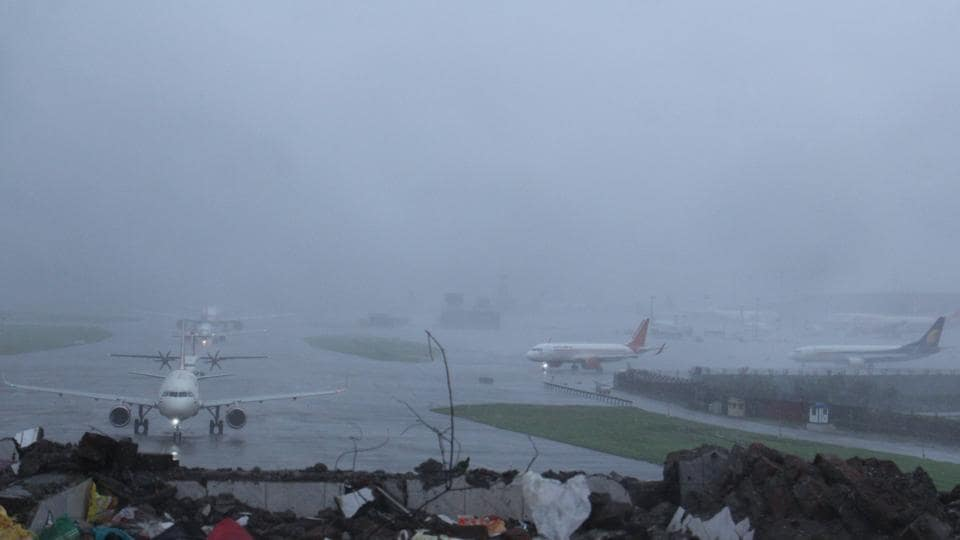 Mumbai rains,Mumbai flights,Chhatrapati Shivaji International Airport