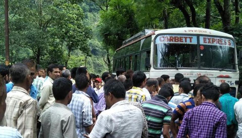 Uttarakhand,electrocute,bus
