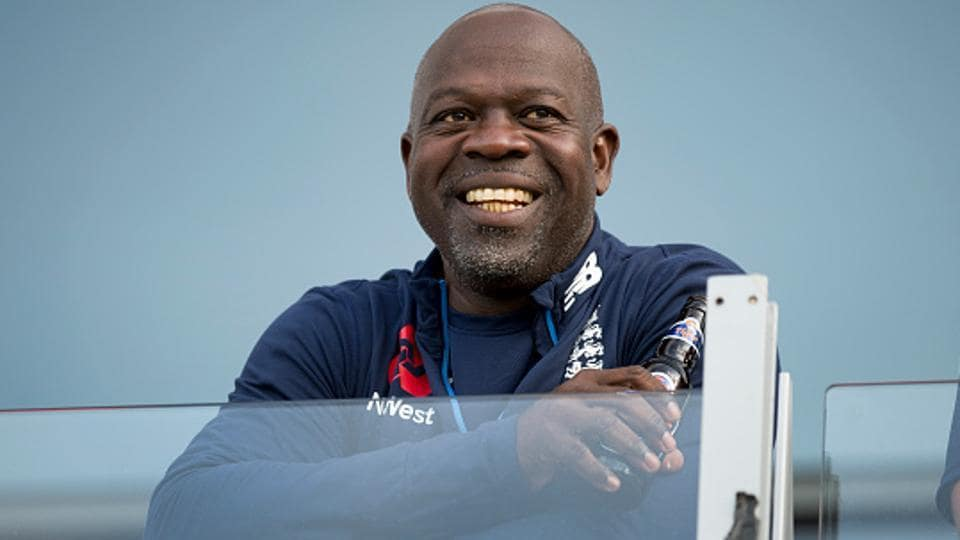 Ottis Gibson will relinquish his position as England's bowling coach.