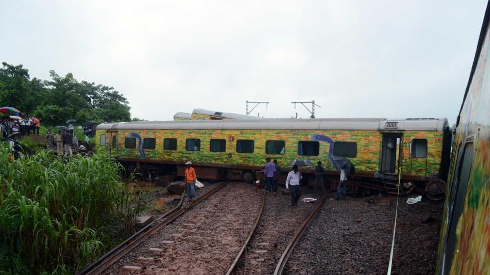 Mumbai-Nagpur Duronto express derailed early on Tuesday morning between Assangoan & vashind , India, on Tuesday Aug,29, 2017.