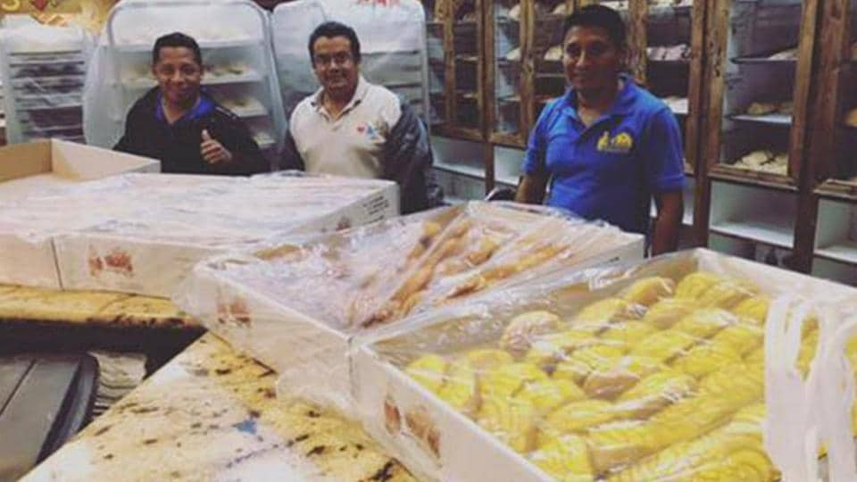 Bakers stranded by Harvey floodwaters make pan dulce for evacuees