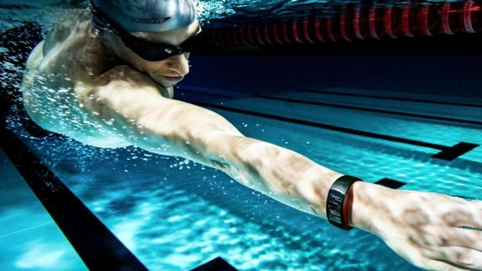 Samsung eyes the fitness enthusiasts with its new wearables.