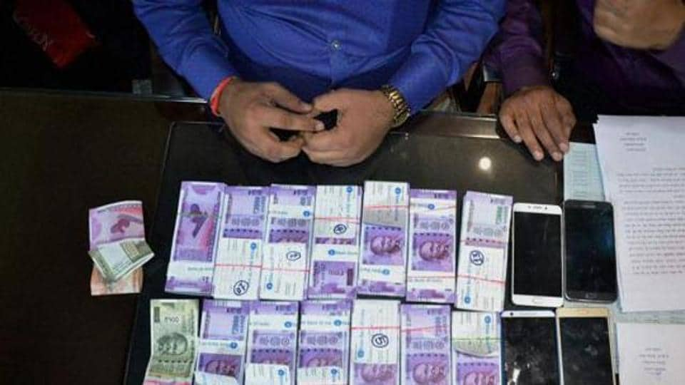 Directorate of Revenue Intelligence,FAke notes,Counterfeit notes