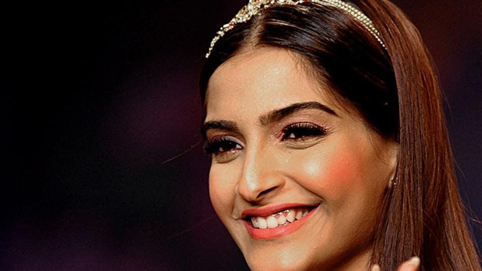 Sonam-Kapoor is currently shooting for Veerey Di Wedding.