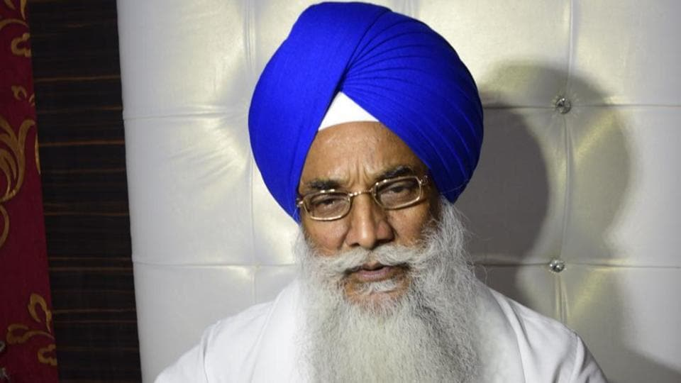 Demanding the jathedar's resignation, the Dal Khalsa alleged that the head of the Akal Takht had violated the traditions, norms and decorum of the institution to which he is heading.