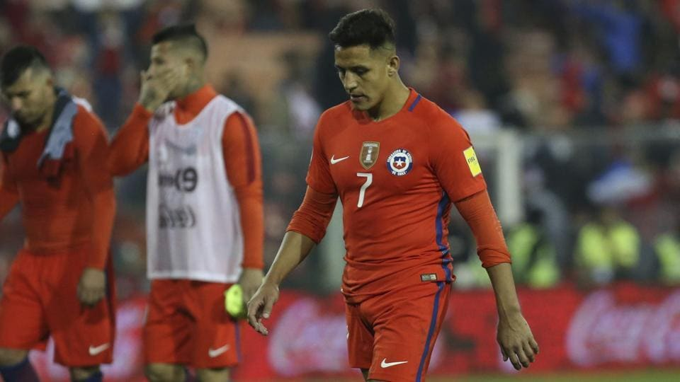Alexis Sanchez's transfer to Manchester City FC collapsed and his miserable day was compounded even further as Chile lost 0-3 to Paraguay in the World Cup qualifiers