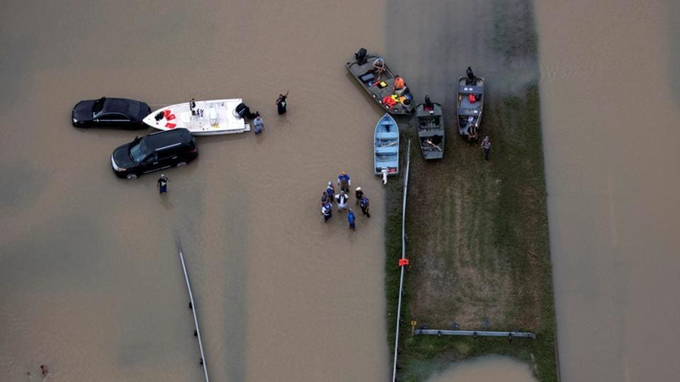 The Trump proposal, which is being finalised pending White House consultations with key Republicans promises to represent just a fraction of an eventual Harvey recovery package that could rival the USD 100 billion plus in taxpayer financed help for victims of 2005's Hurricane Katrina.  (Adrees Latif / REUTERS)