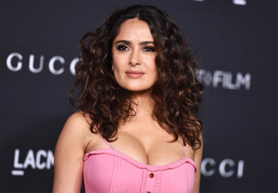 Salma hayeck Nude Photos 19