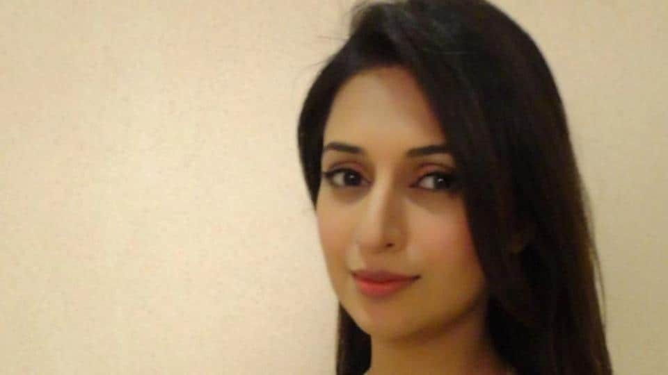 Divyanka Tripathi Dahiya is keen on doing women-oriented films.