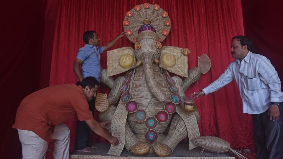 The Sanyukt Prasad Mitra Mandal in Narayan Peth made an idol of 27 different types of bamboo products including a lamp, fan, bowl, pot and basket.