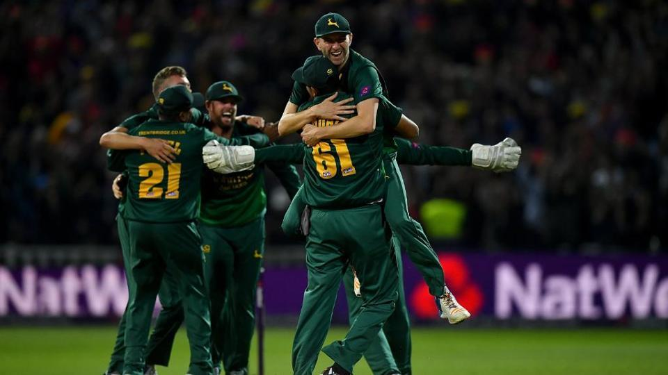 Notts Outlaws defeated Birmingham Bears to win the Natwest T20 Blast onSaturday.