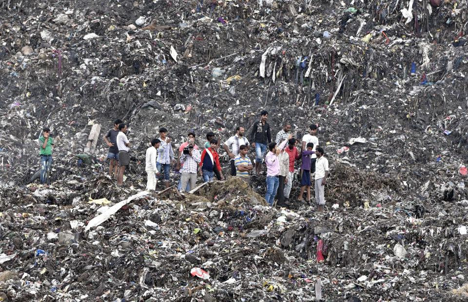 This 70 acre garbage dump is situated in the middle of a densely populated part of the city and has been a disaster waiting to happen for a few years now. That the allowed height It is estimated that anywhere about 3000 metric tonnes of garbage are dumped at the Ghazipur site every single day; in spite of the fact that this landfill was supposed to have shut down in 2002, when it was filled to capacity.