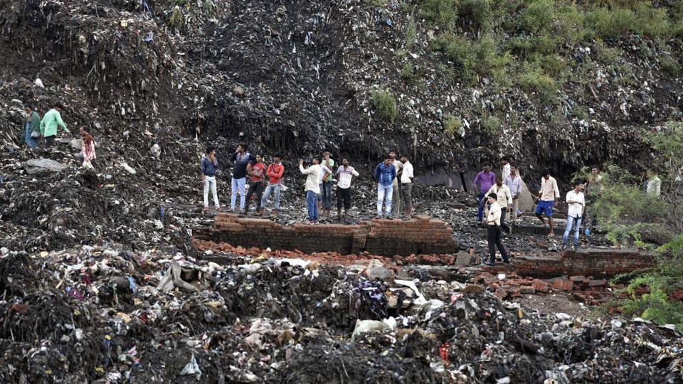 Garbage slide at Ghazipur in New Delhi killed two people.