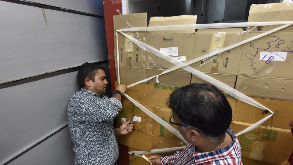 On Saturday, during a five-hour drive in the presence of police, the enforcement team of Gurgaon had sealed stores 'illegally' operating in the basement of Sahara Mall, MGF Mega City and MGF Metropolis.
