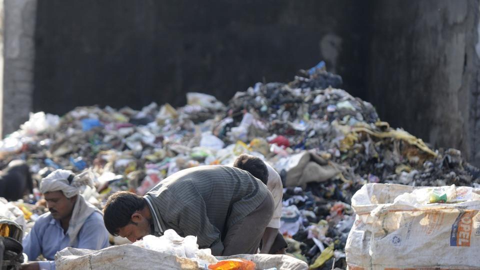 Noida,Astoli,waste