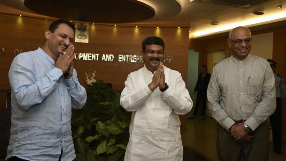 Minister for skill development and entrepreneurship Dharmendra Pradhan, and minister of state Anant Kumar Hegde arrive to assume charge of their ministry in New Delhi on Monday. (Sonu Mehta / HT photo)