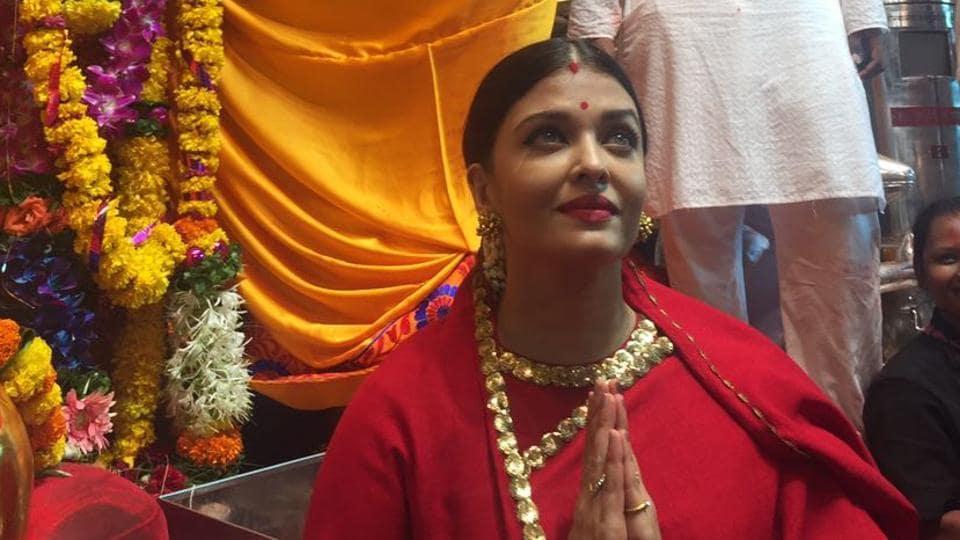 Aishwarya rai Bachchan,Ganesh Visarjan 2017,Ganesh Chaturthi 2017
