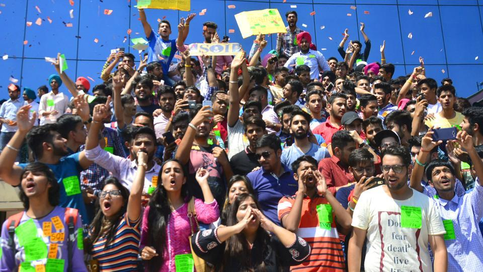 Students campaigning at SD College in Chandigarh. (ANIL DAYAL/HT)
