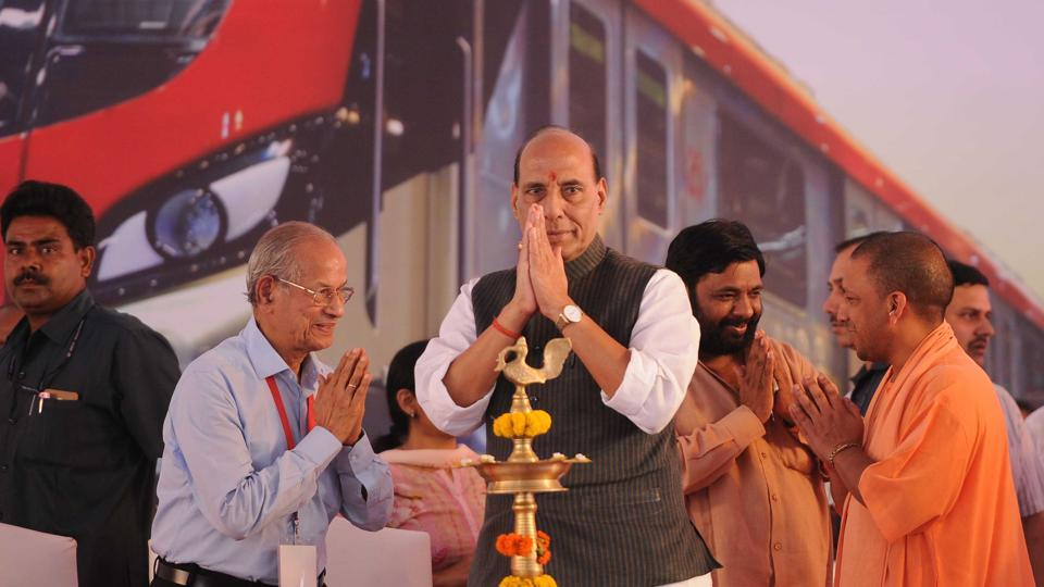 Home minister Rajnath Singh, UP Chief Minister Yogi Adityanath during the inauguration of Metro Rail Transport nagar to Charbagh in Lucknow, India, on Tuesday, September 5, 2017.
