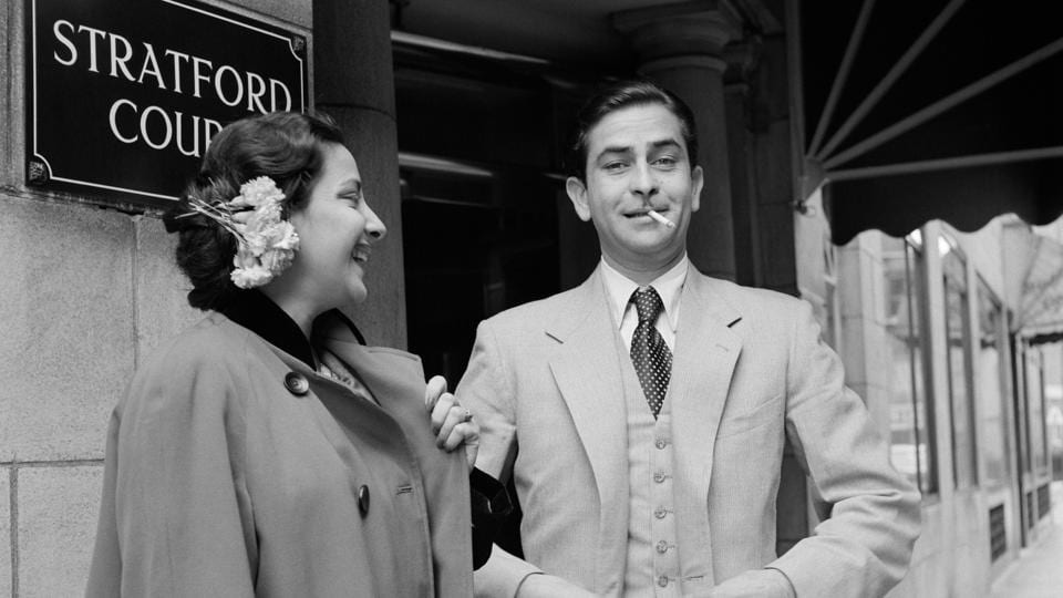 A photo of Raj Kapoor and Nargis outside Stratford Court Hotel in Oxford Street (now the Edwardian Berkshire Hotel), London, 1956, clicked by Jitendra Arya.