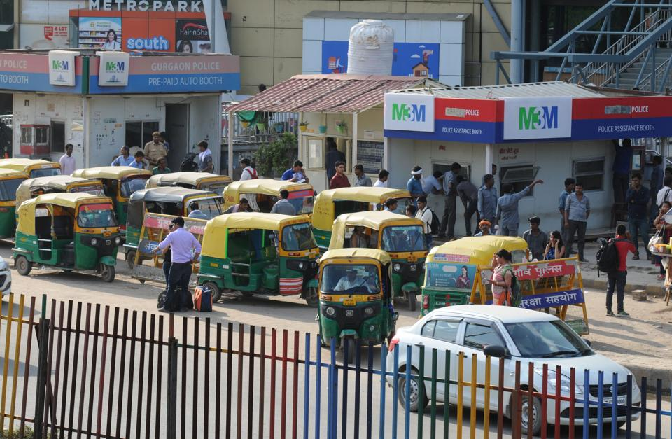 The make-shift auto-rickshaw stand has significantly reduced snarls at the junction.