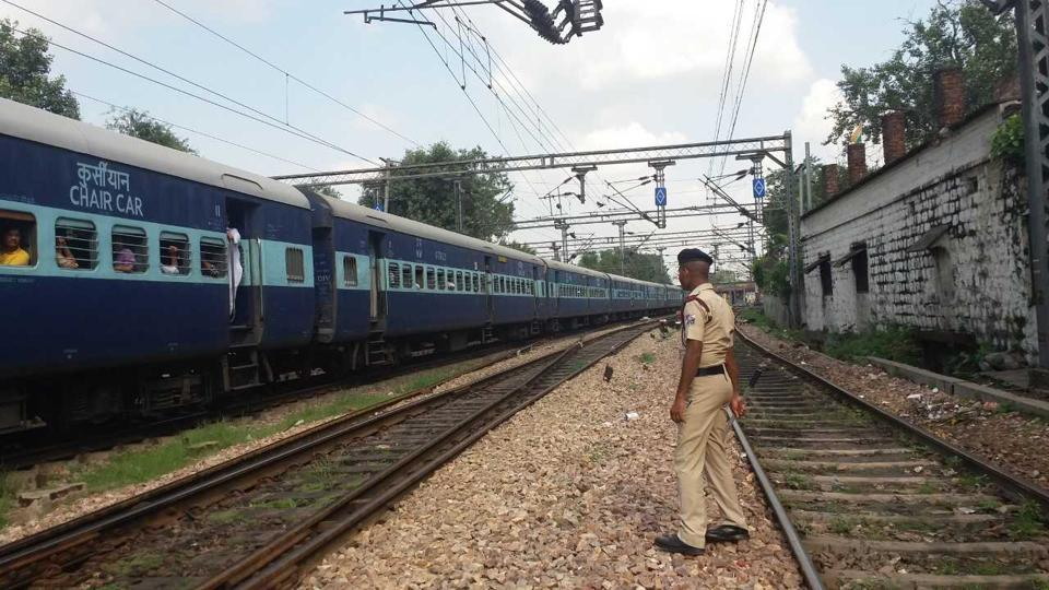 Sanjay Kishore, Chief Security Officer, Railway Protection Force, said the boy had spent time in a juvenile home in the past after being apprehended in a robbery case last year.
