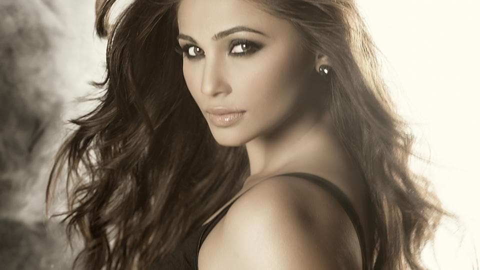 Actor Daisy Shah says she's extremely close to Salman Khan and his family.