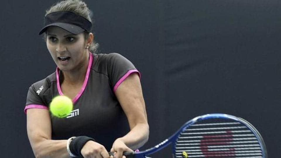 Sania Mirza and Peng Shuai are aiming to make the US Open women's doubles semi-finals. Mirza is the only remaining Indian in the tournament.
