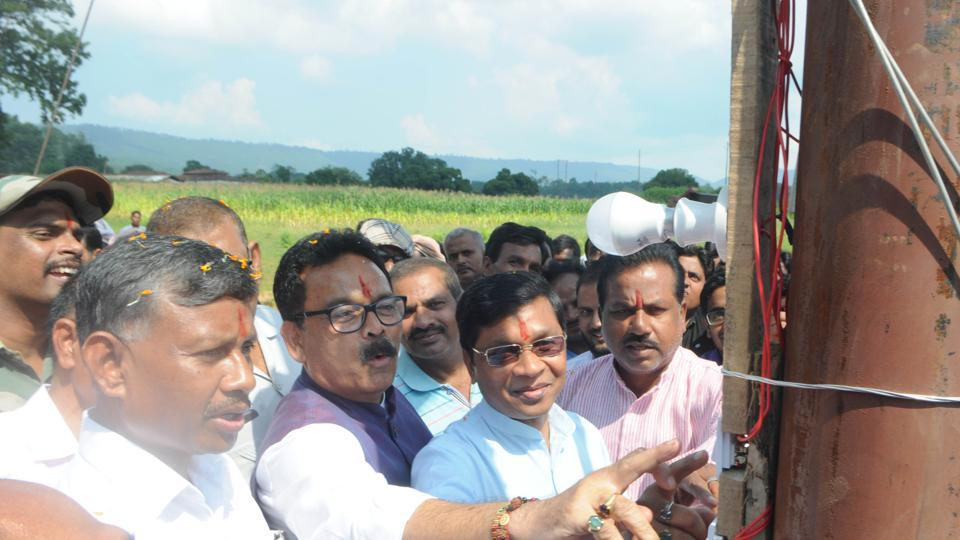Union Minister of state for rural development - Sudarshan Bhagat inaugurating the long awaited power supply transformer at naxal affected Pesrar village in Lohardaga