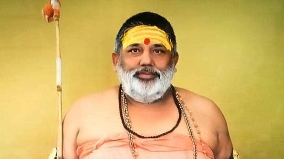 Shankaracharya Sharad Peeth, Swami Achyutanand Teerth Maharaj, whose Shankaracharya status is not recognised by Akhada Parishad.