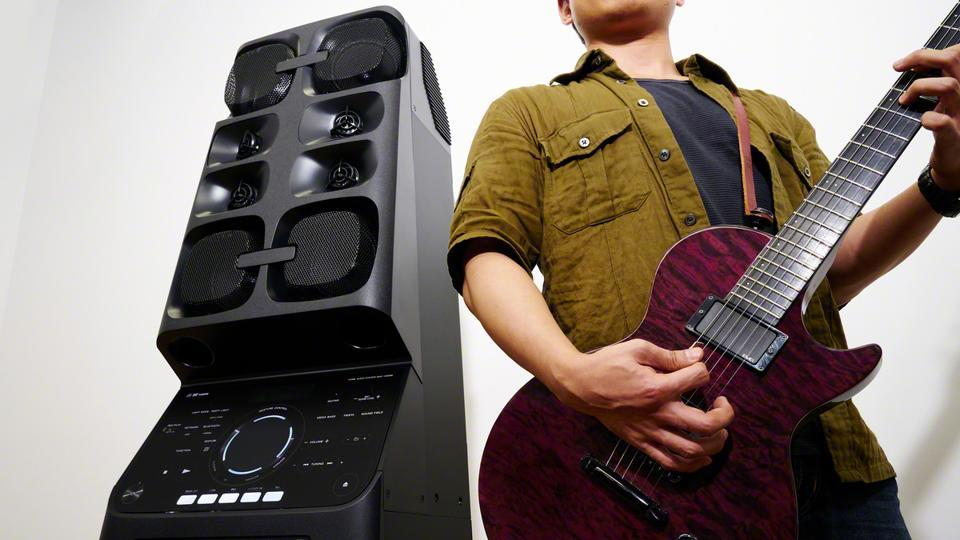 Sony MHC-V90Wdelivers audio output capability with 2000W.