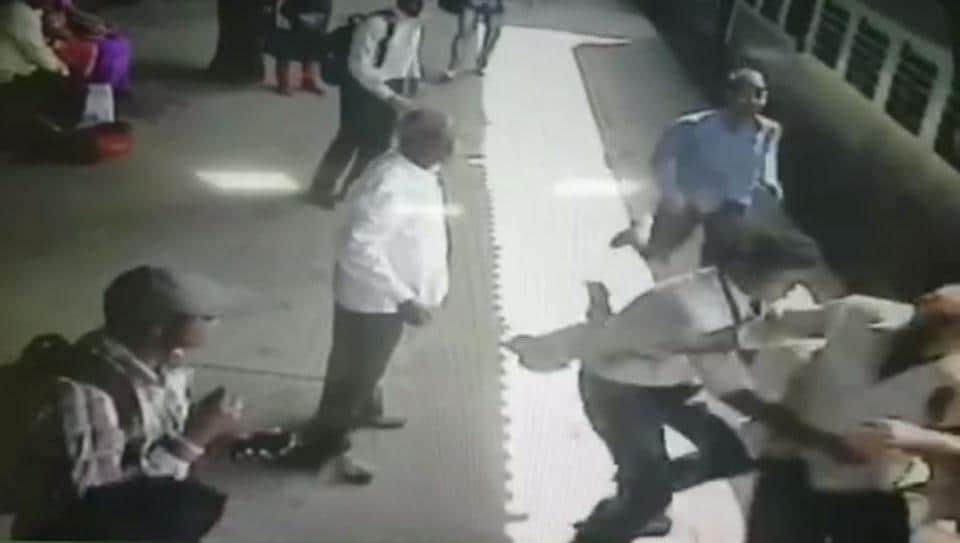 The CCTV footage, obtained from the CR, shows a man trying to board moving Sultanpur-LTT train at platform number. Unable to hold the pole, the man starts to slip and is about to fall in the gap between the platform and train.