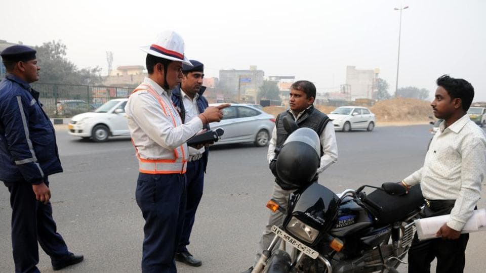 Traffic challans,Moga,dealing officer