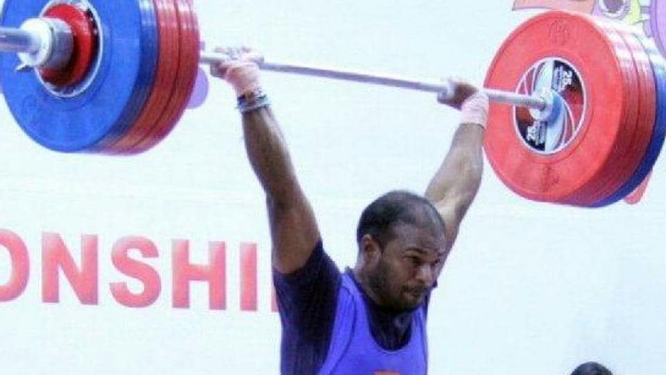 India's Sathish Kumar has qualified for the 2018 Commonwealth Games after winning a gold medal at the Commonwealth Weightlifting Championships.